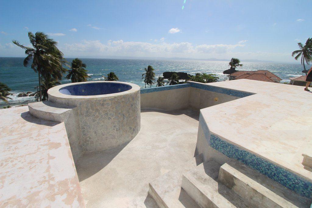 samana-bay-residences-private-villa-beachfront-jacuzzy-swimming-pool