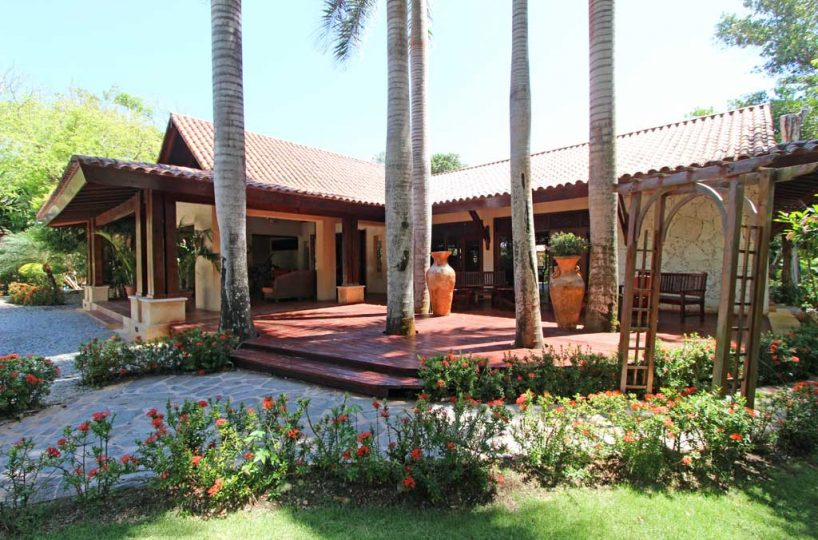 Sunrise Villa entrance patio
