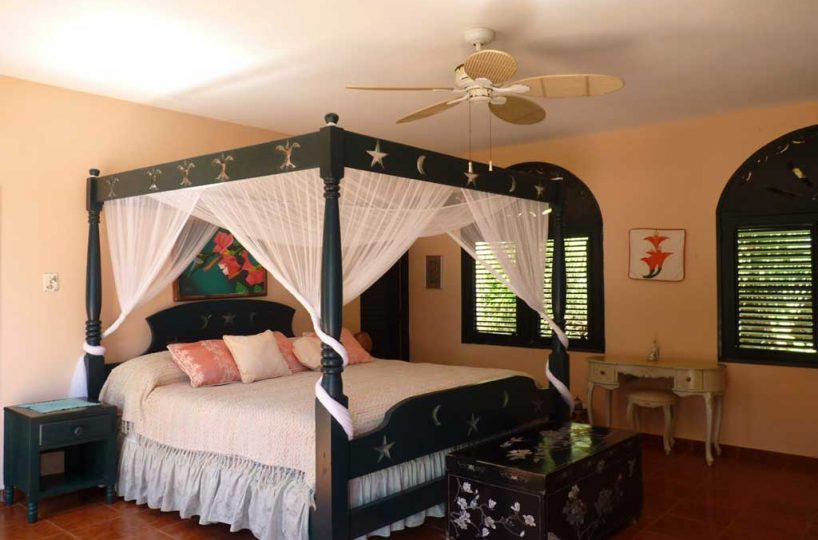 Casa del suenos master bedroom