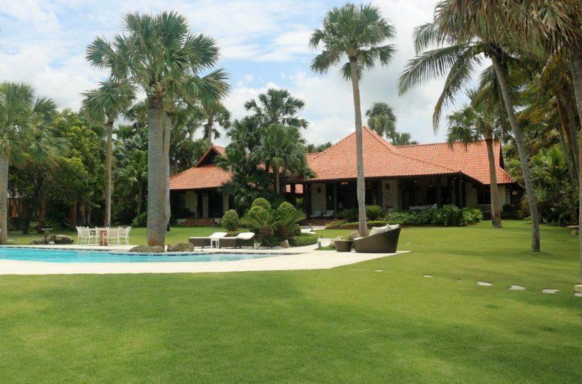 swimming-pool-tropical-garden-sea-horse-ranch-2