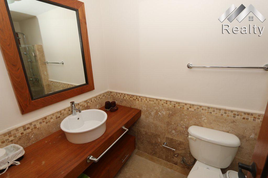 bathroom-condo-b-202