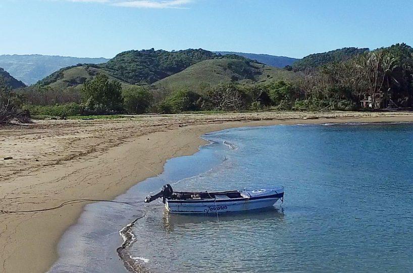 peninsula-beach-boat-view