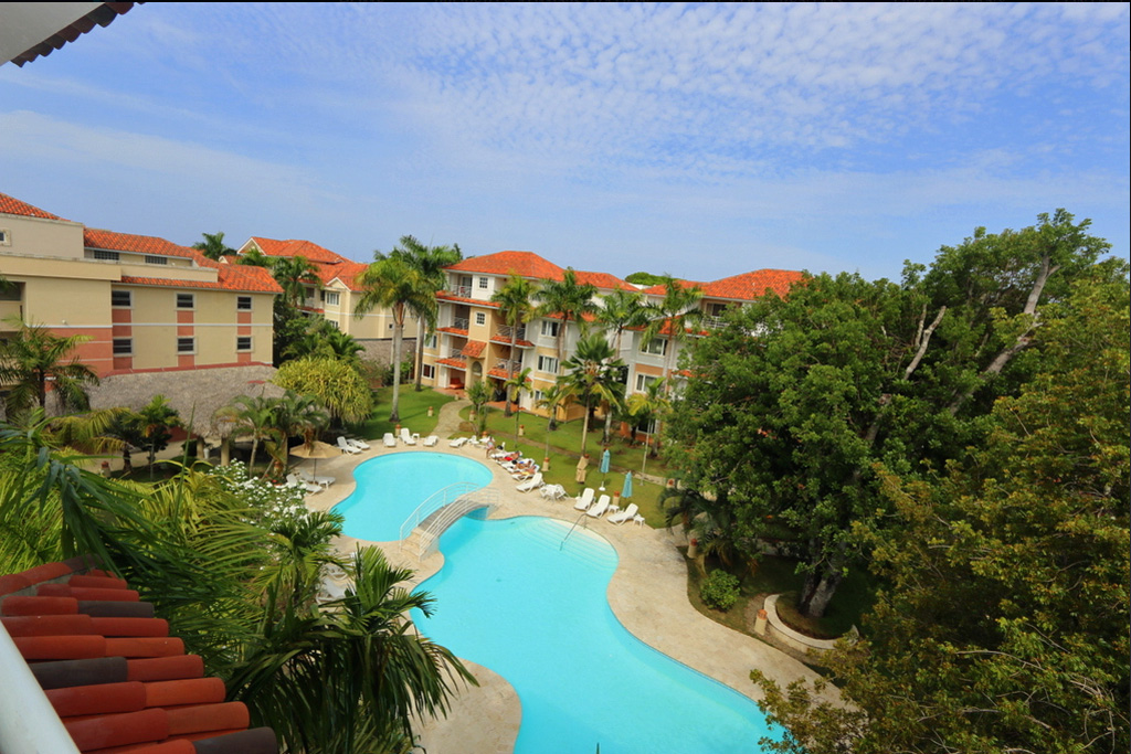 view-to-the-pool-ocean-one-condo-3442