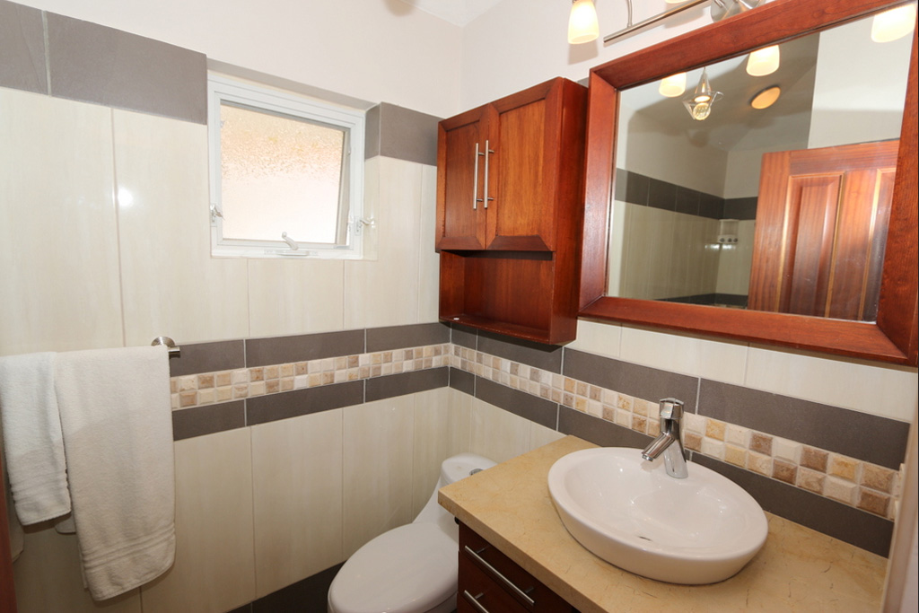 bahtroom-condo-oo-3442-for-sale