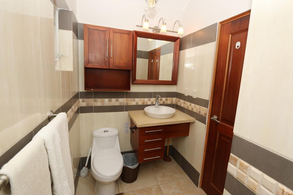 bathroom-condo-oo-3442