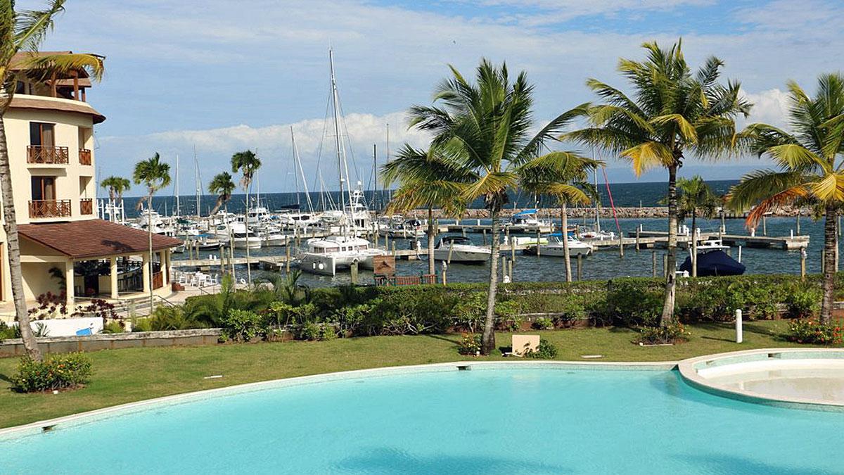 puerto-bahia-mini-market-