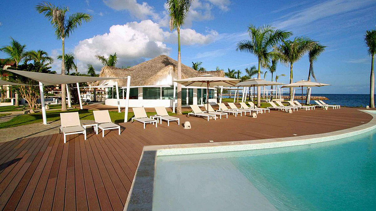puerto-bahia-ocean-club-pool-