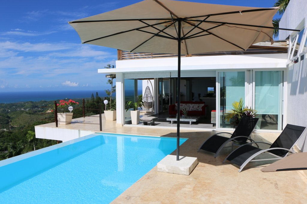 bella-vista-swimming-pool-
