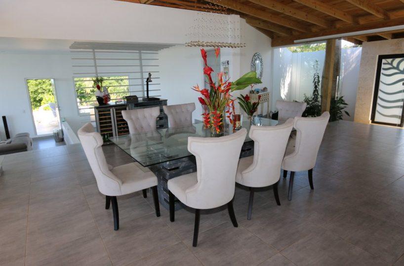 dinning-bellavista-oceanview-villa