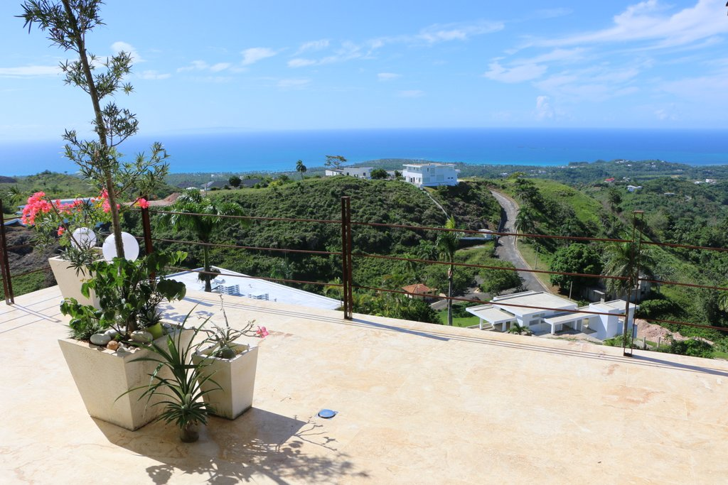 balcony-ocean-view-bellavista