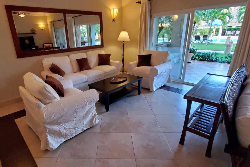 4-bedroom-for-rental-in-ocean-one-beachfront-interior-view-apartment