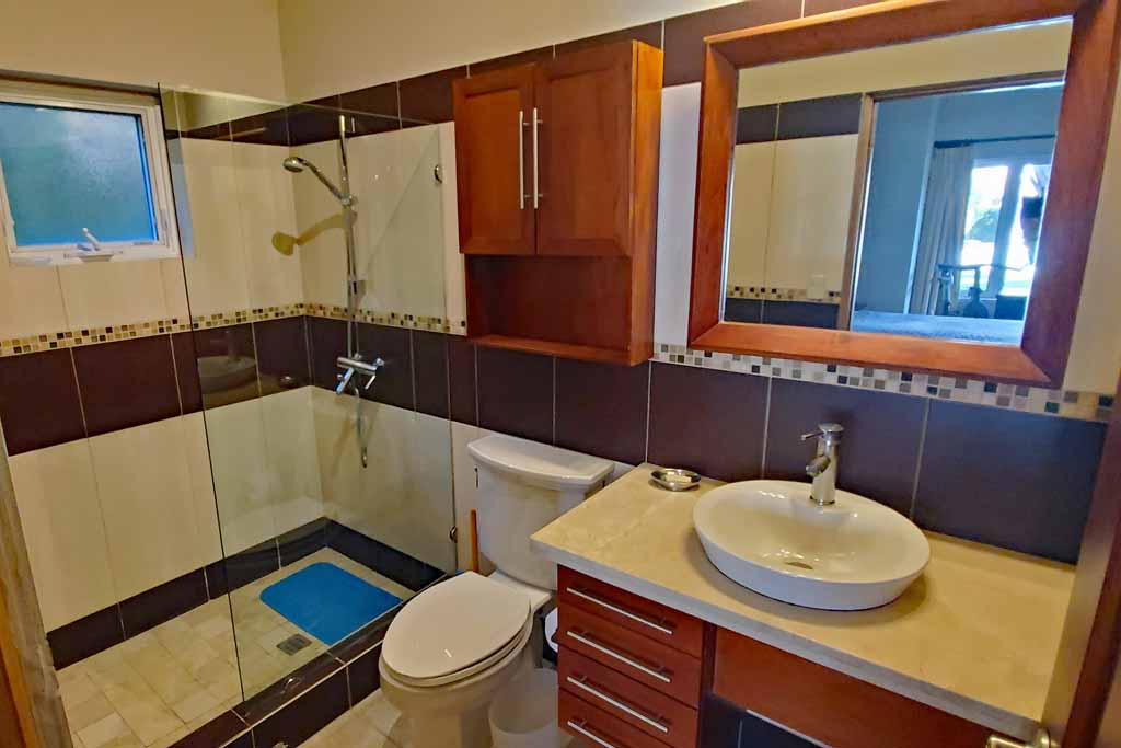 condo-for-renta-in-beachfront-community-in-cabaret-4-bedroom-bathroom-view