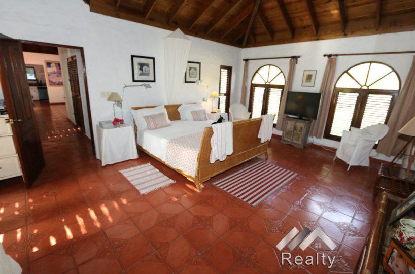 bedroom-2-sea-horse-luxury-villa-for-sale