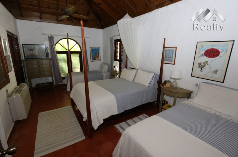 bedrooms-sea-horse-ranch-41-oceanfront-community