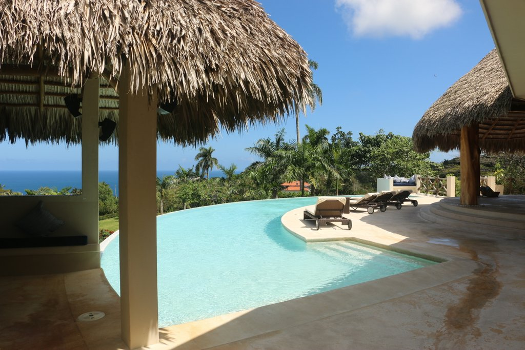 villa-with-panoramic-views-for-sale-in-cabrera-with-swimming-circle-pool