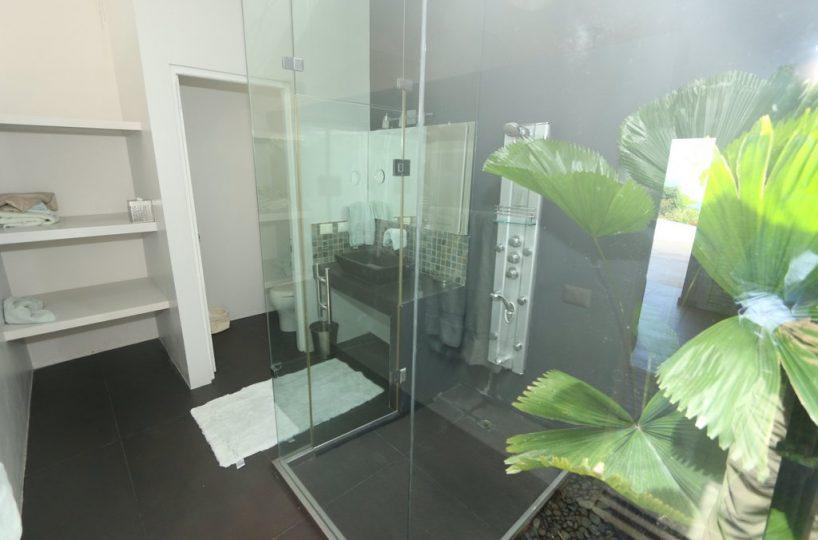 casa-villa-serena-for-sale-in-cabrera-west-interior-views-bath