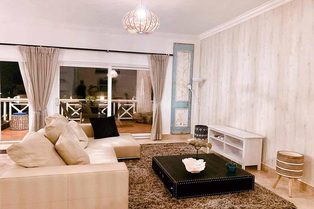 elegant-living-room-with-new-furnitures
