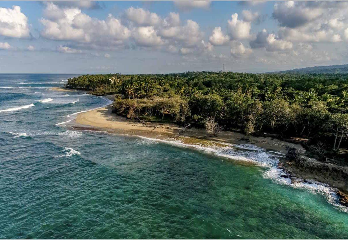 encuentro-beachfront-aerial-clouds