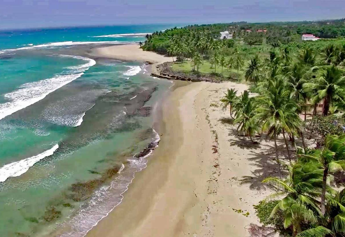 encuentro-beachfront-land-for-sale-in-cabarete-aerial-waves