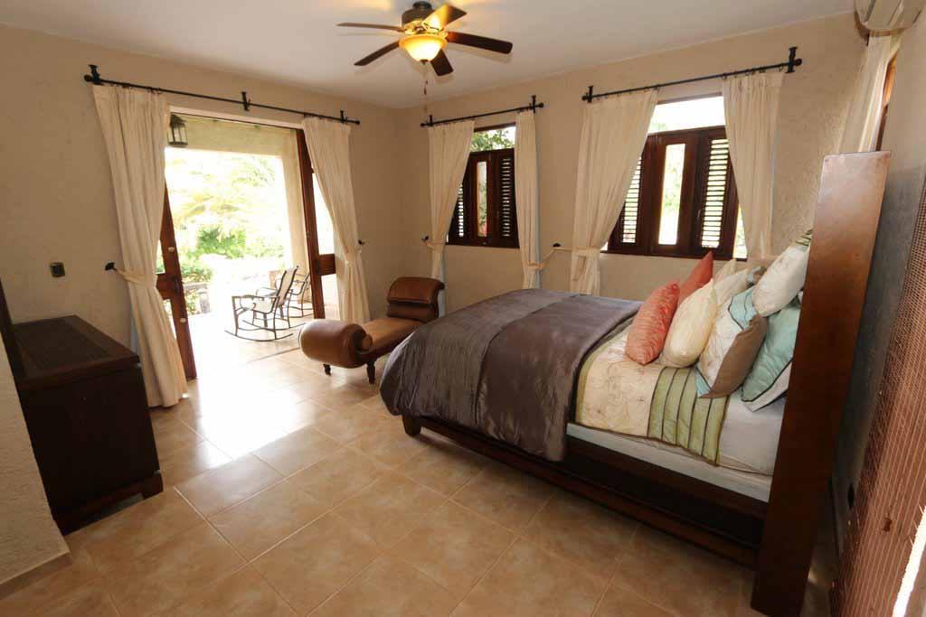 haciendas-el-choco-villa-14A-master-bedroom