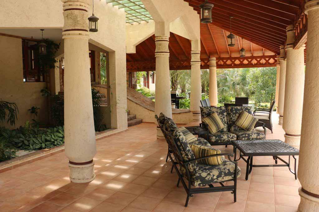 haciendas-el-choco-villa-14A-outside-living-area