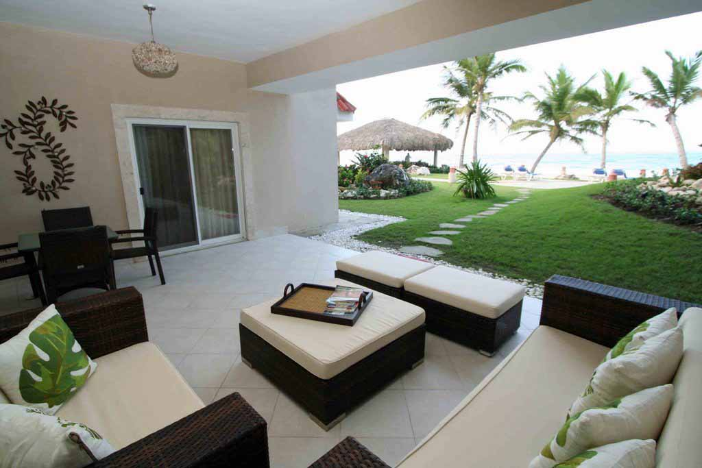terrace-view-to-the-ocean-condo-for-sale-in-condominiums