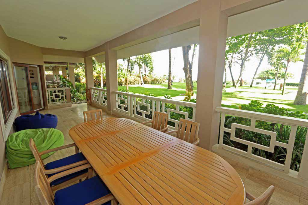 condo-with gallery-view-in-oceanfront-community