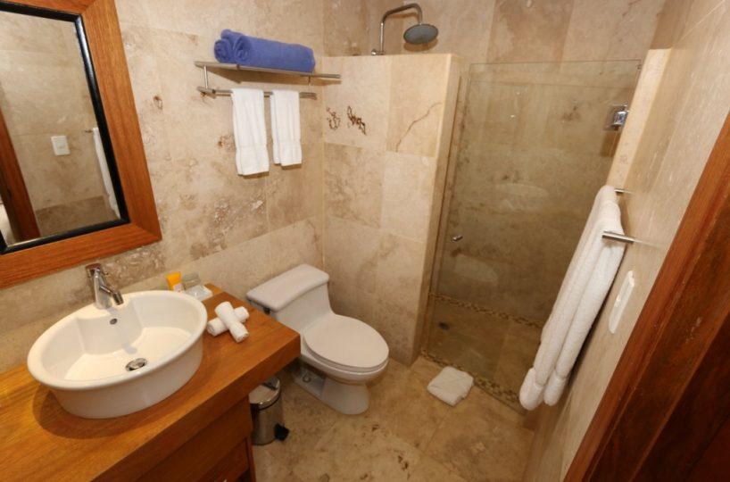 puerto-bahia-condo-for-sale-bath-interior-view-private-community-with-easy-access-to-Samana