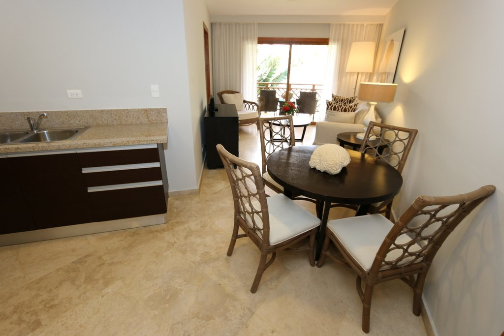 Puerto Bahia Condo For Sale in Private Community Dining area View