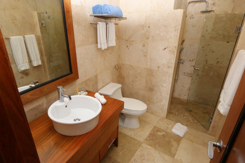 puerto-bahia-condo-for-sale-1-Bed-Marina-View-Bathroom-View