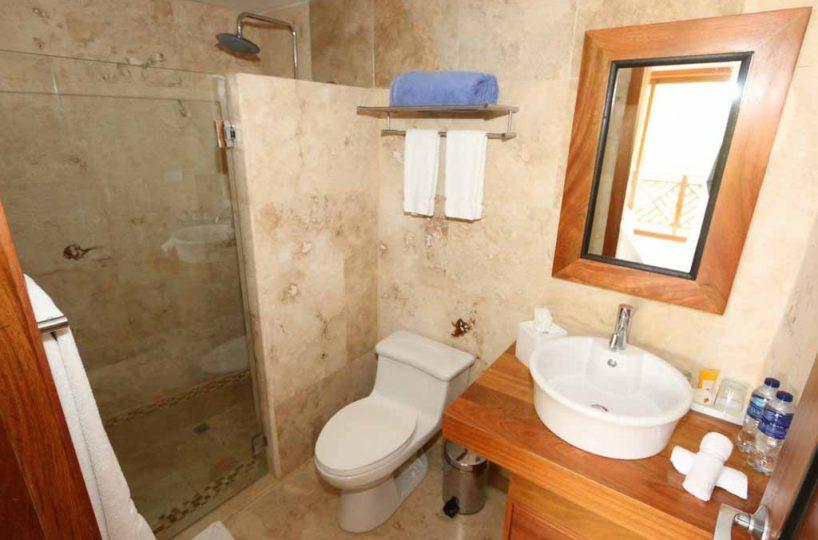 puerto-bahia-condo-CH-313-bathroom