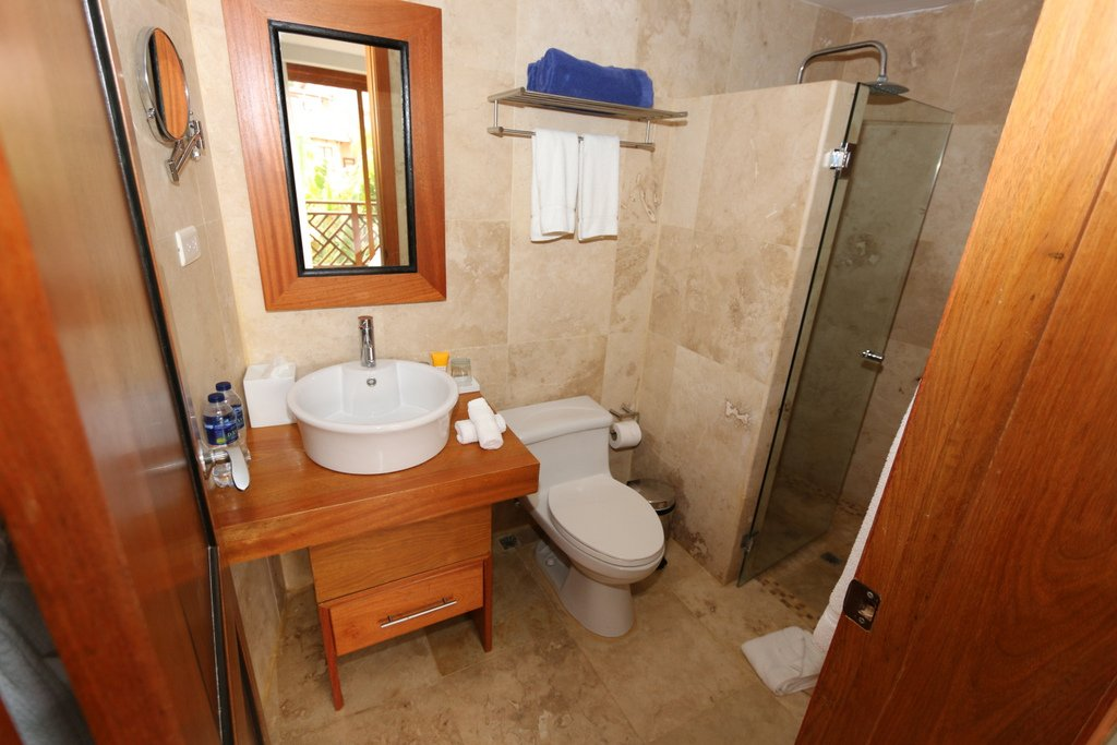 puerto-bahia-condo-for-sale-in-private-community-interior-bath-view