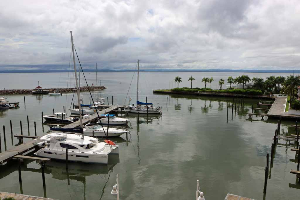 puerto-marina-in-samana-with-boats-view