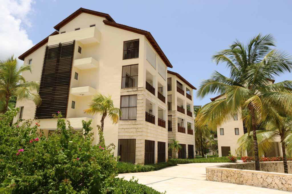 puerto-bahia-valle-alto-building-exterior