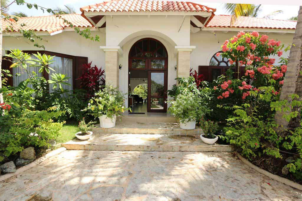luxury-ocean-front-villa-property-featured-sea-horse-ranch