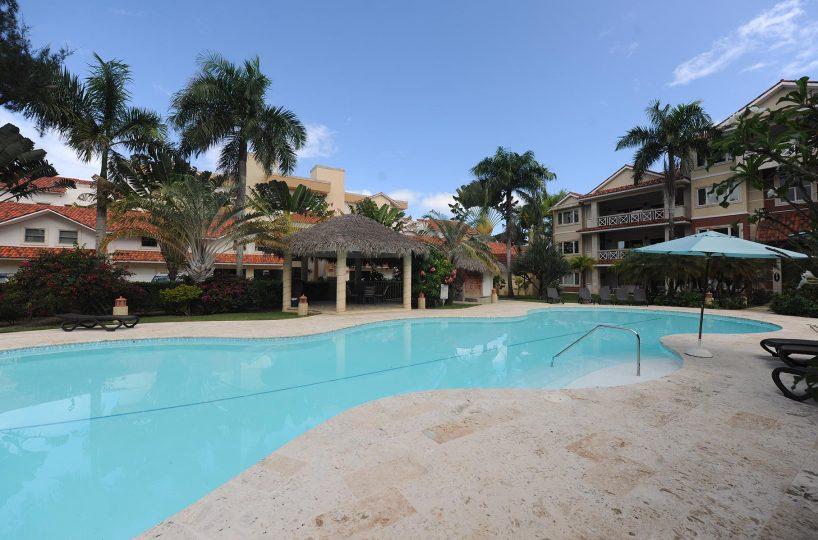 swimming-pool-ocean-one-condos