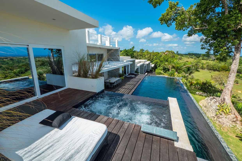 luxury-villa-in-private-community-in-sosua-for-sale-swimming-pool-terrace