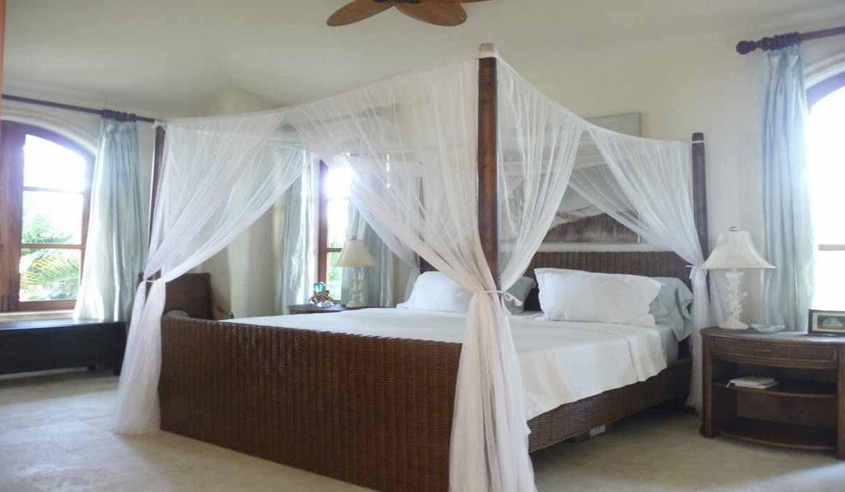 villa-dando-in-cabarete-for-sale-master-bedroom