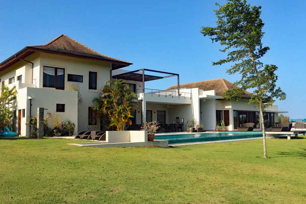Villa-Soluna-Featured